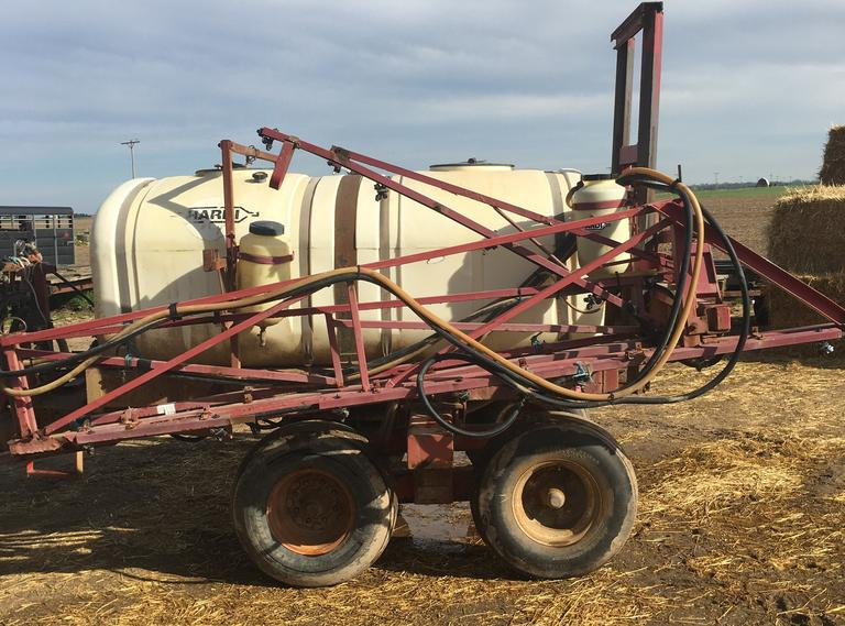 Hardi 800-Gallon Tandem Axle Sprayer with 60' Booms, Hydraulic, Height Control, Large 540 PTO Pump, CN1005