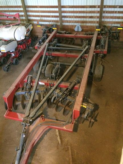 "2009 Case International Harvester 690 5-Shank Ripper, 20"" - 23"" Discs, Field Ready, Seller Believes Nicest One You Will Find, CN1062"