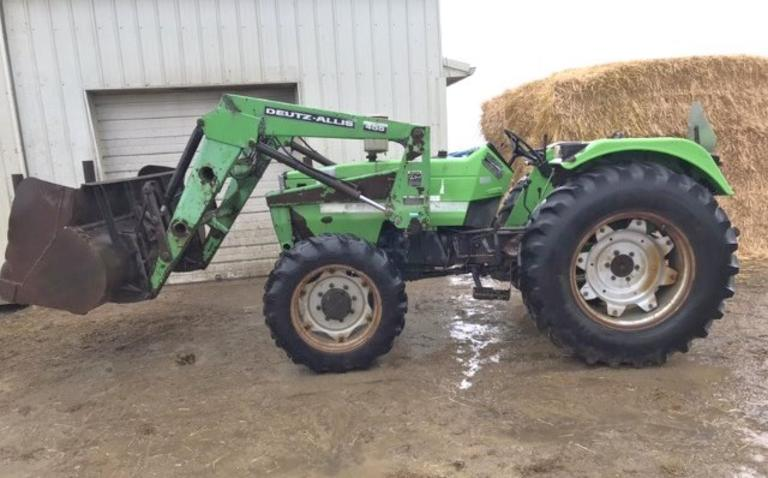 Deutz 6250 4WD Loader Tractor, (5820 Hours), 540 PTO, 3-Point, 1-Hydraulic Outlet, Transmission is Strong but Occasionally Pops Out of Gear, Tires have Decent Amount of Tread Left, Runs Well, CN1079