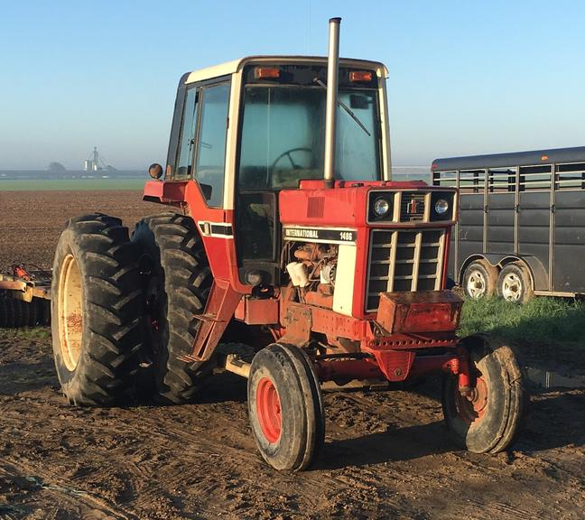 International Harvester 1486 Tractor, Year of Manufacture Approximately 1978, (7800 Hours), Duals.  New Parts Include:  Clutch, Radiator, Inner PTO Shaft and Water Pump, CN1004