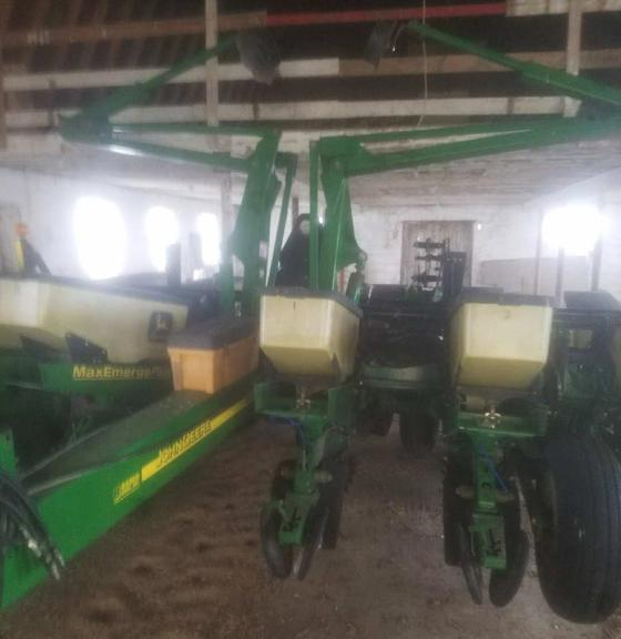 2001 John Deere 1760 Planter, 3-Bushel Hoppers, Set Up with Precision Planting, Plus Row Units, Row Cleaners, Set Up for Quadris, 1/2 Width Disconnect, Seed Firmers, Individual Clutches, Have Corn, Bean, Beet Plates, 350 Monitor, Low Acres, Always Housed, Field Ready, Excellent Condition, CN1023