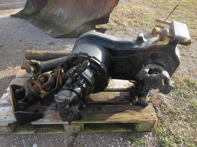 Albrecht Auctions | Speed Transfer Case for a 1981 Oshkosh