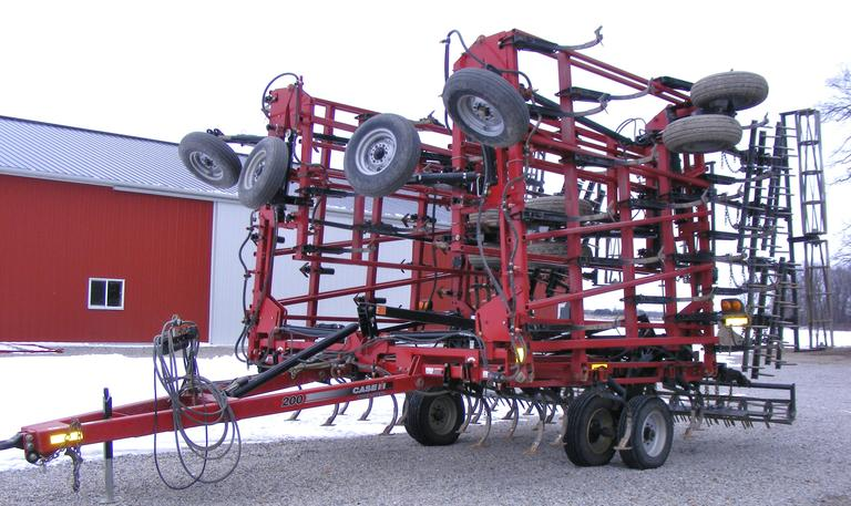 2015 Case International Harvester Tiger Mate 200 43' Field Cultivator with 5-Bar Spike and Rolling Baskets, Rear Hitch, CN1068
