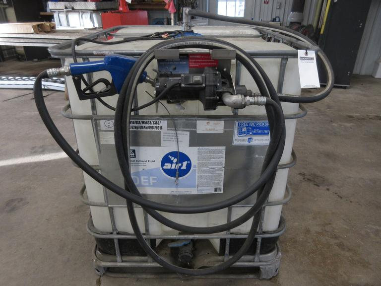 250-Gallon DEF Tote with Pump