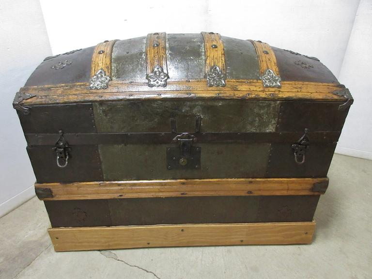 Round Top Trunk, Used for Tact Storage