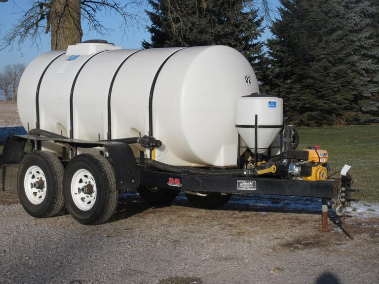 2012 1010-Gallon Nurse Tank on Tandem Axle, Induction Tank, Recirculate, LED Lights