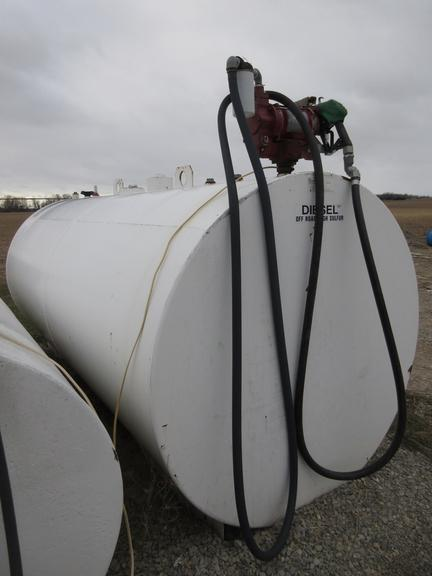 2000-Gallon Double Wall Fuel Tank with Pump