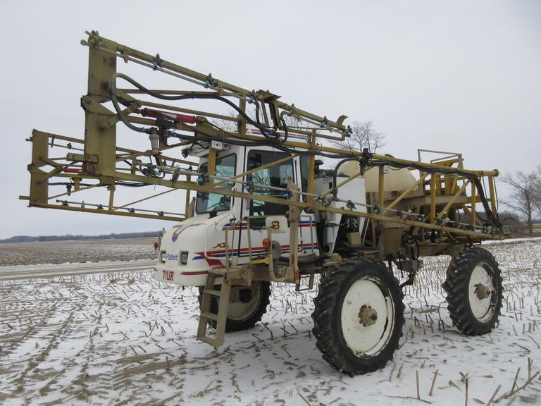 1998 Patriot XL Self-Propelled Sprayer, Five Section 80' Boom, 750-Gallon Tank, Induction Tank, 320 Tires, New Pump in 2017, John Deere AMS Ready, John Deere Auto Track, John Deere Rate Controller