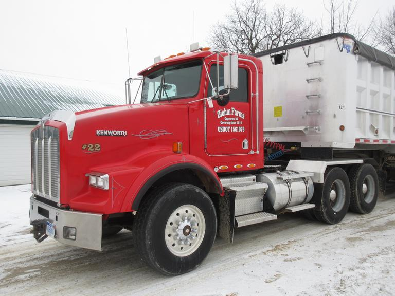 Albrecht Auctions 1995 Kenworth T 800 Semi Tractor 3406
