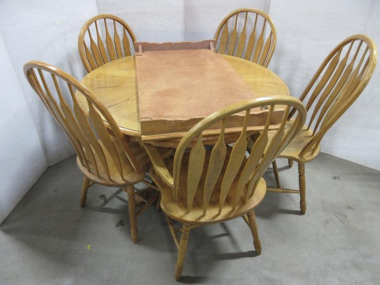 Table with Leaf and (5) Chairs