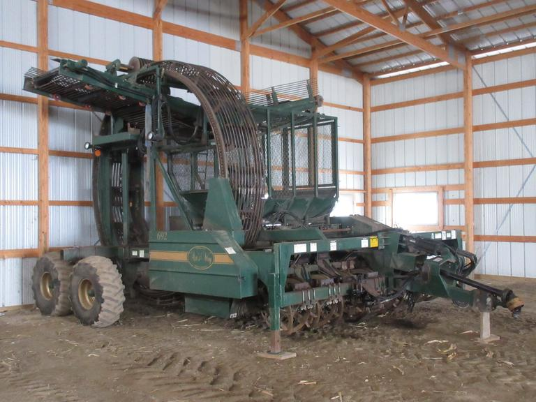 "1998 Artsway 692 8 row 20"" Beet Harvester, Richmond Wheel, LED Lights, Bull Pull, Boom Camera, New Lifter Wheels in 2017."