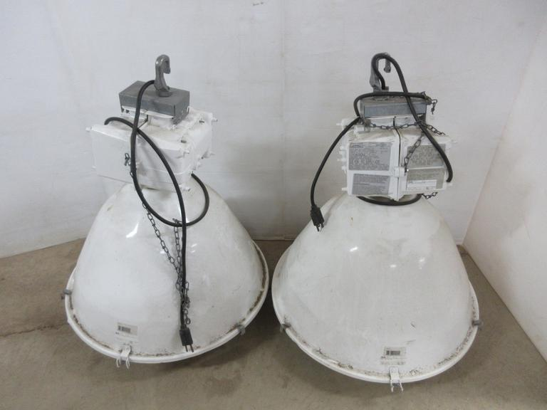 Albrecht Auctions 2 Large Pole Barn Utility Lights