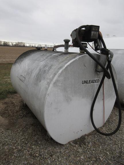 500-Gallon Fuel Tank with Pump and Meter