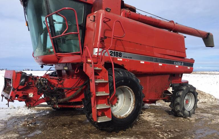 1997 International Harvester 2188 Combine, 4x4, (4215/3145 Hours), New Feeder House Floor, Chain and Drum in 2018, Checked by Janson's Every Year, CN1156