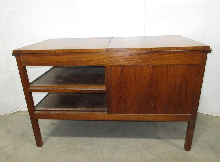 Danison Modern Serving Buffet, Wheels are in Cabinet