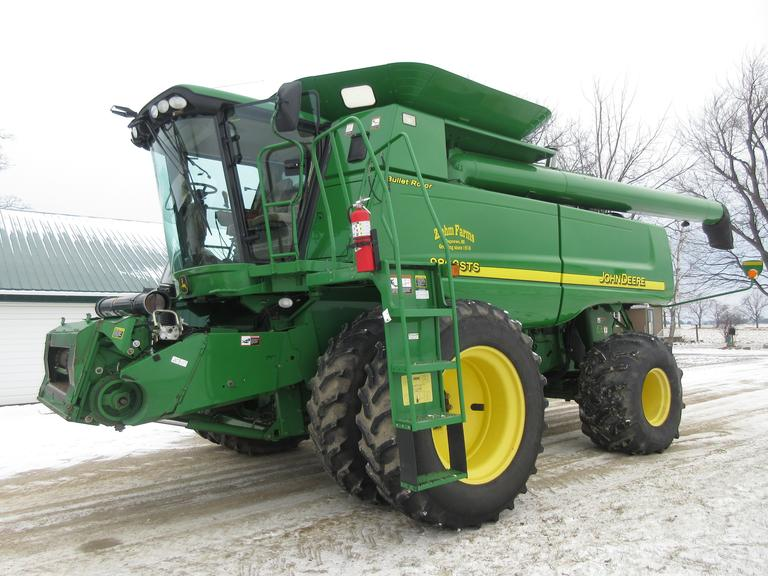 2006 John Deere 9860 STS PRWD Combine with Bullet Rotor, Duals, Power Tailboard, Finecut Chopper (Rebuilt in 2018), Feed Accelerator Slow Down Kit, John Deere AMS Ready, Zenon Lights.  New Parts Include:  FH Chain, Return Chain and Shoe Auger Pan!  Note:  Owner reserves the use of the combine until the last day of checkout.  Buyer will be contacted as soon as the headers are picked up.