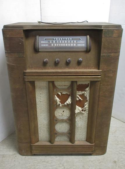 Truetone Antique Radio