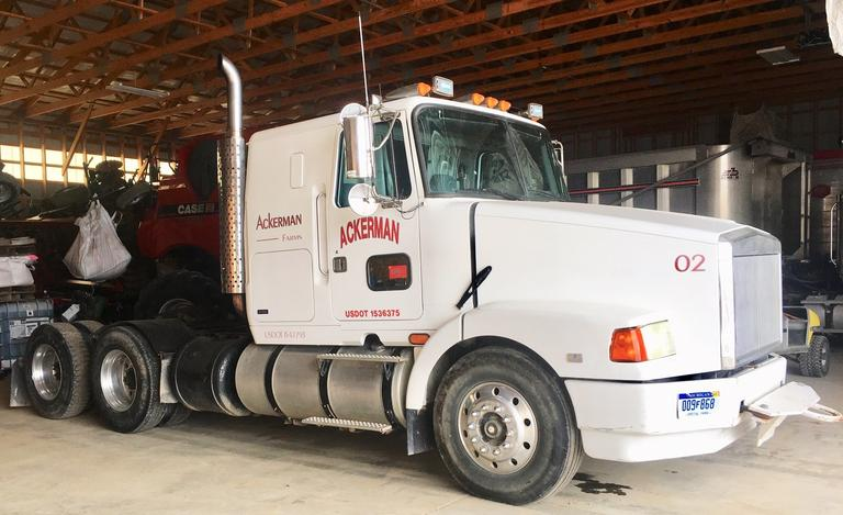 1992 Volvo Semi Tractor, (681,124 Miles), VIN:  4V1WDBRR2SN703026, Series 60 Detroit, 365 HP, 9-Speed, All Aluminum Wheels, Wet Kit, Runs Excellent, Clean and Clear Title, CN1130
