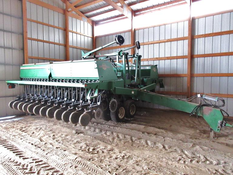 "Great Plains 3010NT No-Till Drill, 30' x 7.5"" Spacing, No-Till Coulters, Down Pressure, LED Lights"