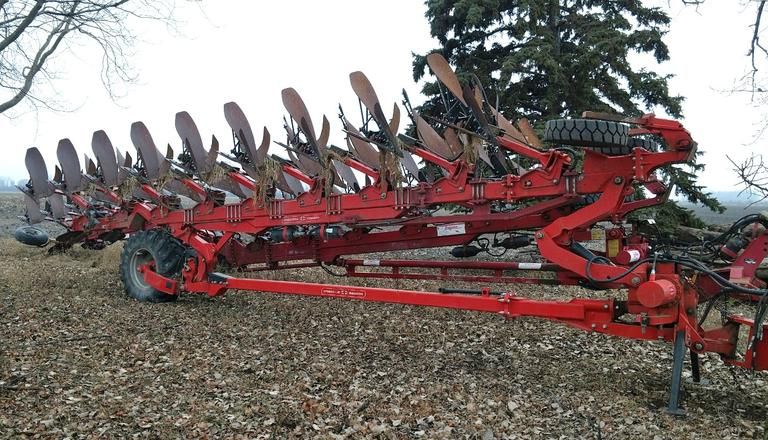 2014 Gregoire Besson 9-Bottom Plow, 7+1+1 On-Land/In-Furrow Rollover Plow, Well Maintained, CN1021