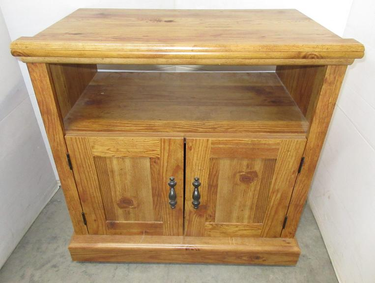 Pine Grain TV or Microwave Stand