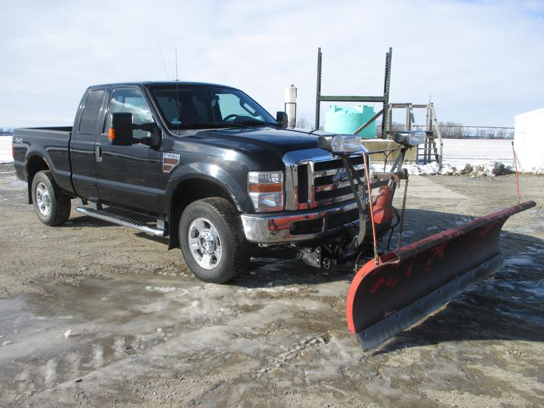 2009 Ford F250 XLT Extended Cab Pickup with 8.5' Western Snow Plow, (197,000 Miles), 6.4 Liter Powerstroke Diesel, 6' Truck Bed, Air Bags.  Note:  Additional photos to come!