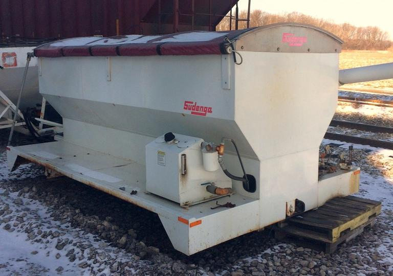 Sudenga Feed Box with Overhead Auger (3-Hopper Feed Box with Swing Auger), Hydraulic Powered, Does Not Come with Hydraulic Pump, Tarp is in Fair Condition, Has Been Sitting for Five Years, Model BG-213-08, Serial No. 9970, CN1052