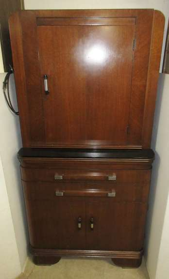 Older Hamilton Medical Cabinet, Has Glass Shelves and a Light on Top, Matches Lot No. 6