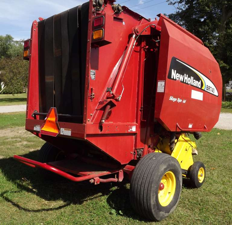 New Holland BR740A Silage Special Round Baler, Twine Tie, With Bale Monitor, Good Condition