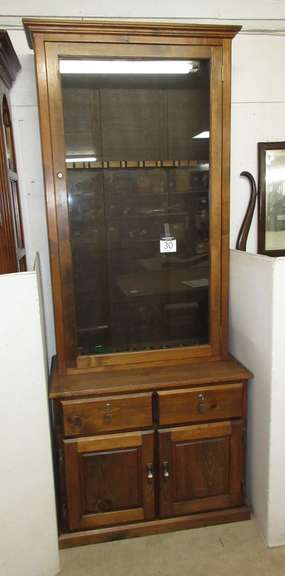 Eight-Gun Cabinet with Two Lockable Shelves