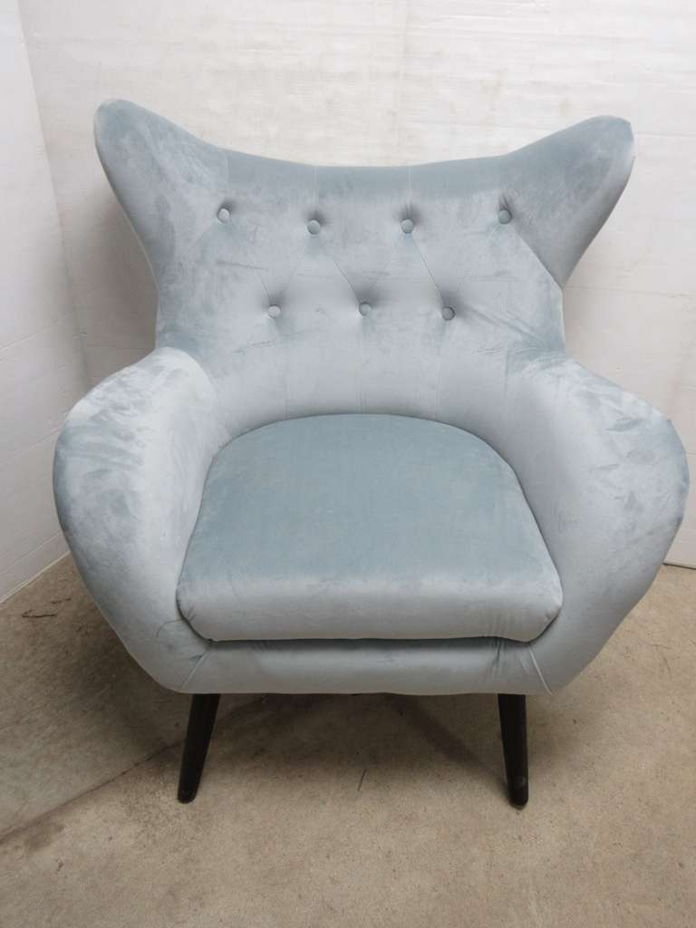 Siegfried Light Gray Velvet Tufted Arm Chair/Club Chair