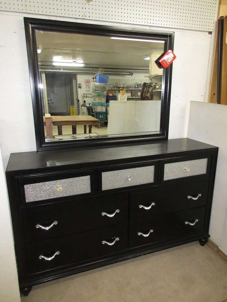 Coaster Fine Furniture Long Seven-Drawer Dresser, Black with Silver Mirror, Matches Lot No. 5