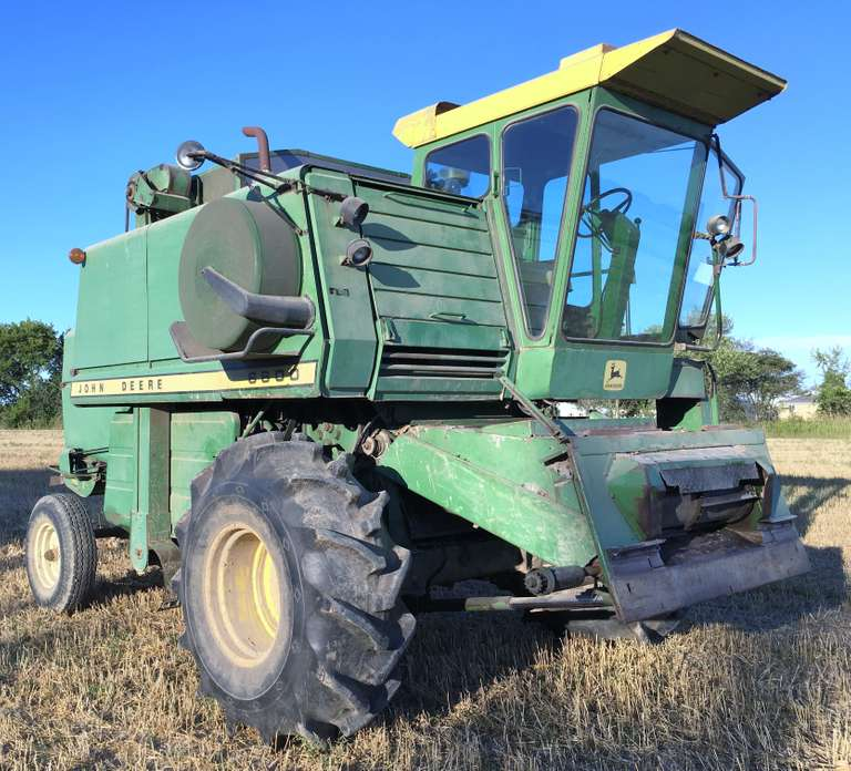 John Deere 6600 Combine, 329 Diesel Engine, Rice and Cane Tires, Rasp Bar Cylinder, Thrashed Corn 2018, Good on Fuel, Always Housed, Runs and Works Well