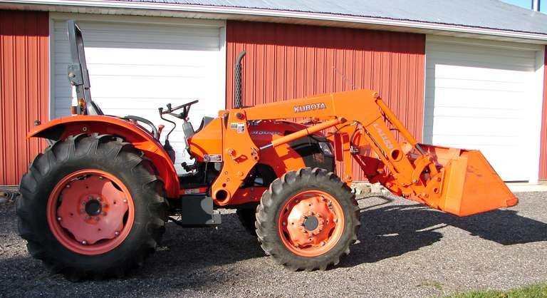 2010 Kubota M5040 50 HP FWA Utility Tractor with Joystick Control Loader and 6' Bucket, (574 Hours), 540 PTO, Single Hydraulic Outlet, 8-Forward and Reverse, Shuttle Transmission, Includes Canopy (Not Shown in Pictures)
