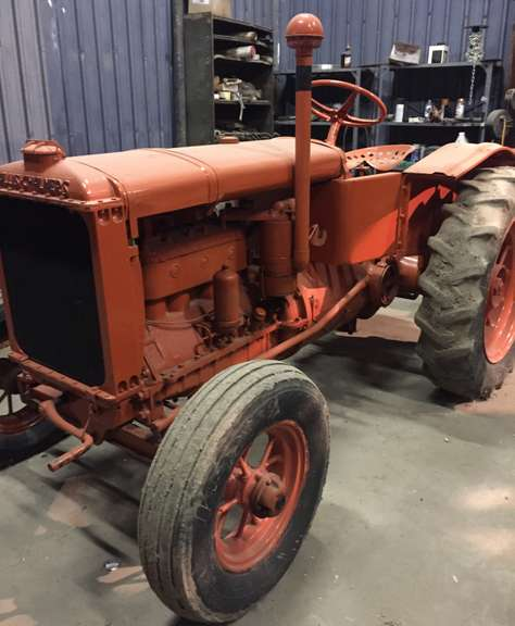 Allis-Chalmers Model U Tractor, Continental Engine, Runs but Starts Hard, Rare Model