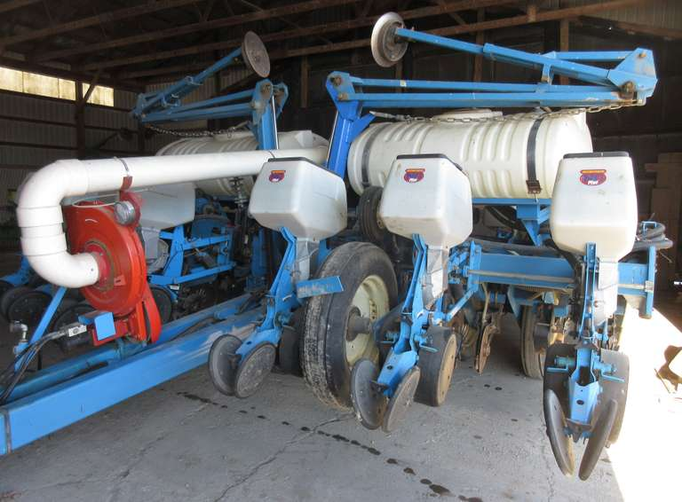 "Monosem 12-30"" Row Planter, Corn, Beat and Bean Seed Plates, Fertilizer Discs were Changed Two Years Ago, Seed Discs were Changed One Year Ago, Liquid Fertilizer, Good Condition, NOTE:  Video loaded for this item!"