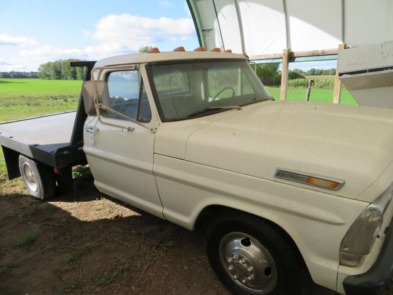 1969 Ford F350 Flatbed, Mileage Reads 09108, Has a 360 Engine, Runs and Drives, Needs Some Tuning, Has AC, Solid Truck, Recently Purchased from Arizona, Title Included