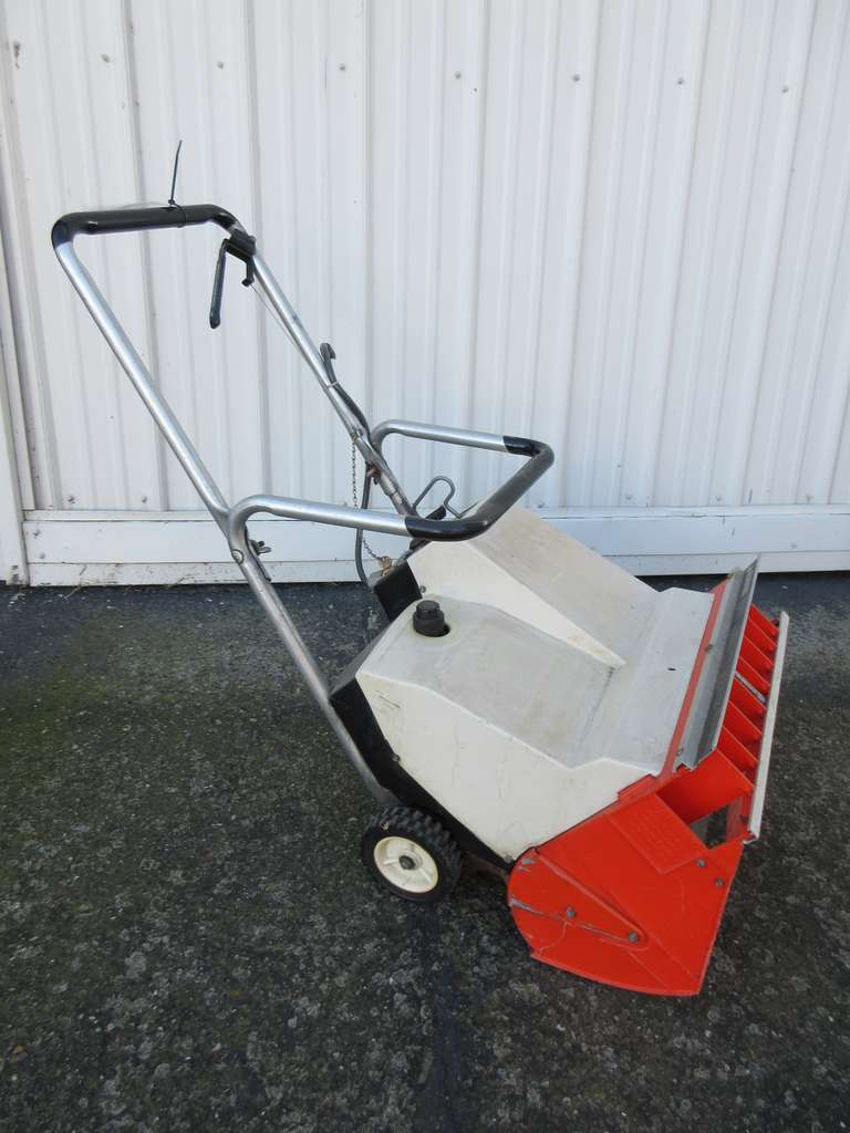 "Snowbuster Electric 220 Snowblower, 20 1/2""Wide"