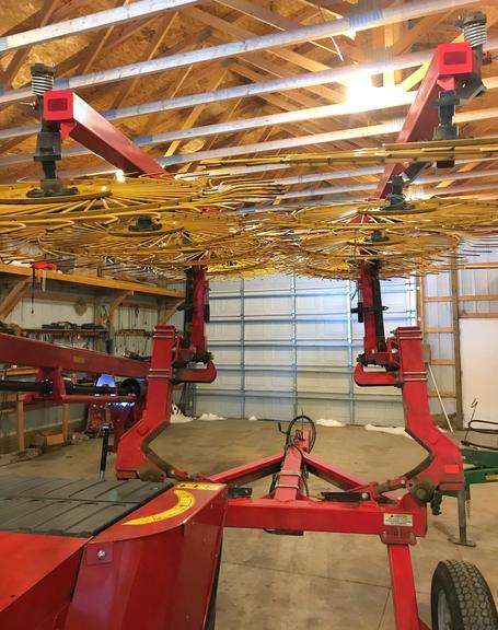 2011 Ogdon 10-Wheel Rake, Excellent Condition