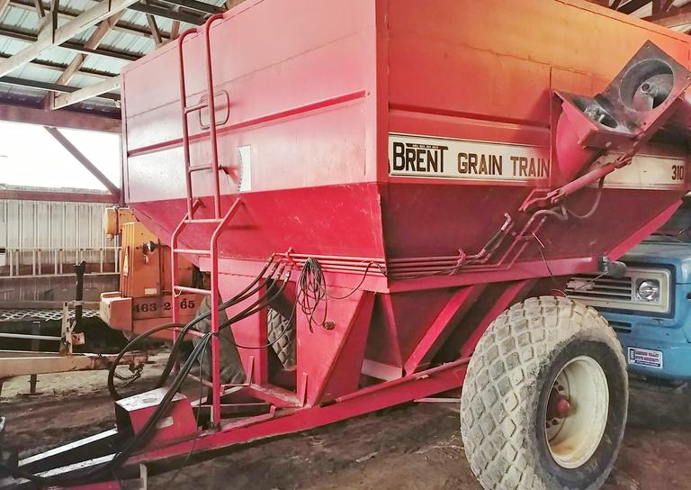 Brent 310 Grain Cart, Holds 500 Bushels, Brand New Drive Shaft and Bearings, Rebuilt Gear Box, Tires are in Good Condition