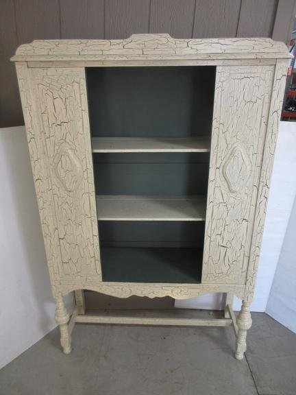 Crackle Finish Display Hutch, Cream Color