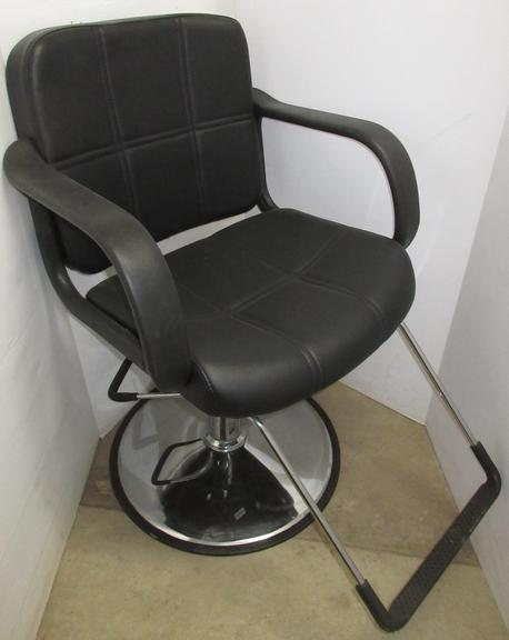 Barber Chair with Hydraulics