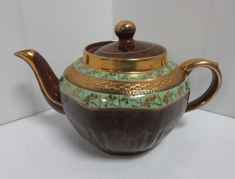 Arthur Wood Genie Style Gold and Mint Teapot, Made in England, Stamped 4523