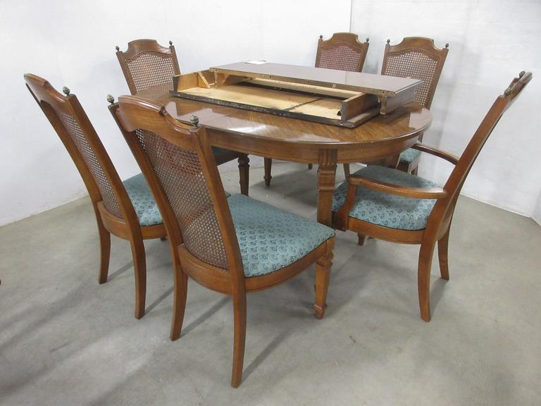 Table and (6) Chairs with (3) Leaves