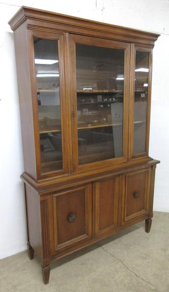 China Cabinet, Smaller Size Overall