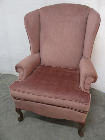 Chair with Queen Anne Style Wood Legs