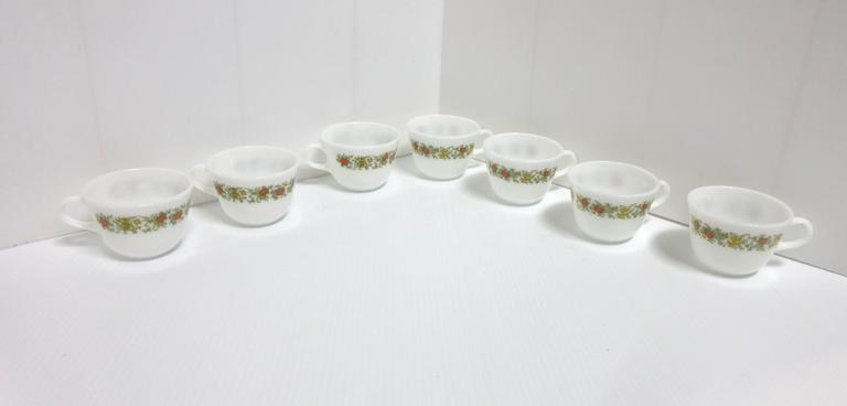 (7) Pyrex Microwave Safe Cups