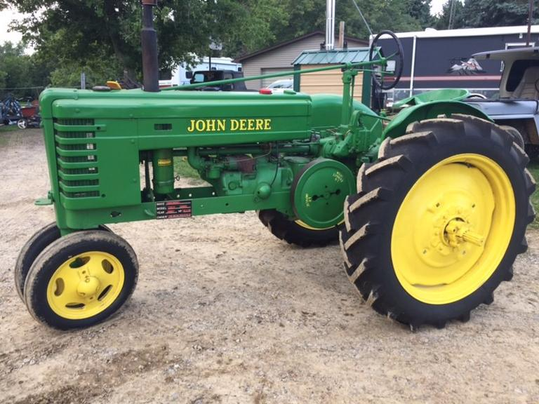 1942 John Deere H Tractor, New Front and Back Tires, New Gauges, Runs Well, Older Restoration