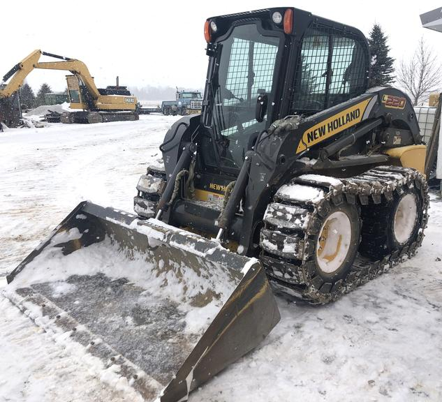 2013 New Holland Skid Steer with Tracks and Cab, (Approx. 850 Hours), Very Good Condition