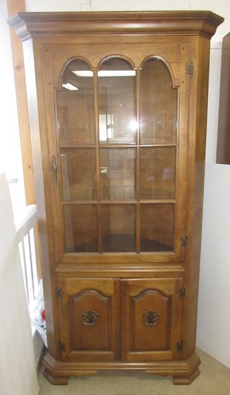 Corner Curio China Display Cabinet